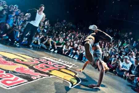 Circle Industry bringt Tänzer, Mcs und Djs zusammen und feiern 2 Tage lang die urban Tanzkultur im Emailwerk Seekirchen.