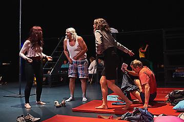Theater-Ecce-Schlafstoerung-Arge-Salzburg-_DSC9483-by-FOTO-FLAUSEN