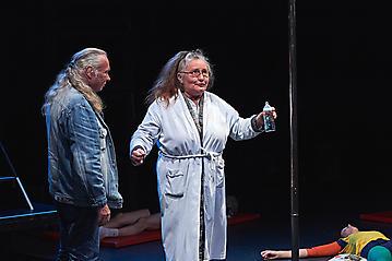 Theater-Ecce-Schlafstoerung-Arge-Salzburg-_DSC9554-by-FOTO-FLAUSEN