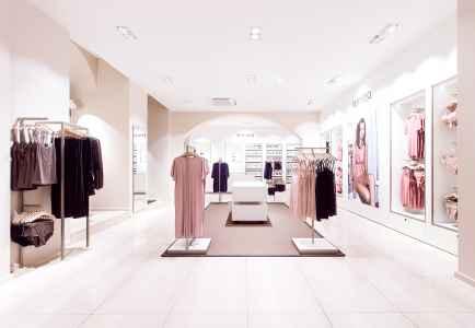 In der Nacht vor der Eröffnung war Fotograf Andreas Brandl im neuen Store und hat Innenarchitektur samt aktueller Kollektion abgelichtet.