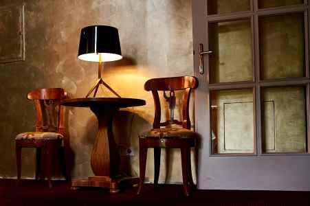 Ein Wartebereich im Hotel Auersperg in Salzburg