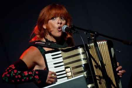 Doris Kirschhofer auf der Bühne im Odeïon Salzburg.