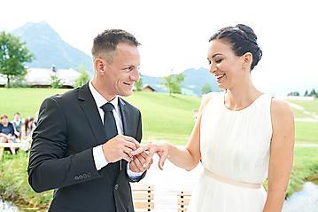 Hochzeit-Katrin-Matthias-Winterstellgut-Annaberg-Salzburg-_DSC2354-by-FOTO-FLAUSEN