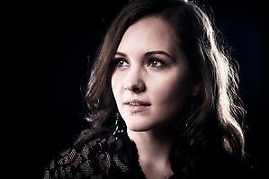 Johanna-Walter-Miss-Salzburg-Portraet-Fotostudio-Fotograf-5229-by-FOTO-FLAUSEN