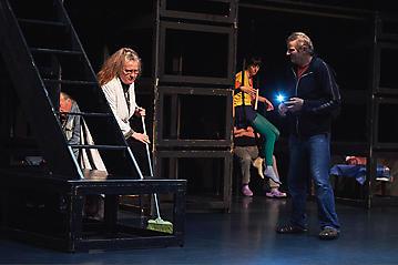 Theater-Ecce-Schlafstoerung-Arge-Salzburg-_DSC9426-by-FOTO-FLAUSEN