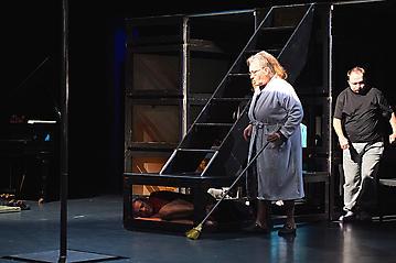 Theater-Ecce-Schlafstoerung-Arge-Salzburg-_DSC9503-by-FOTO-FLAUSEN