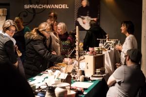 Vielfalt-Kunsthandwerk-Markt-EmailWerk-Seekirchen-8223